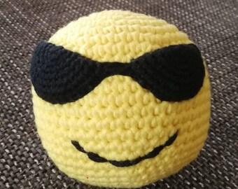 Crochet ball emoji Smiley with Sonnenbrile
