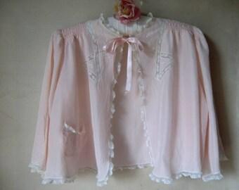 Vintage lingerie Bettjäckchen peach colors bed jacket Trousseaux by terris small size