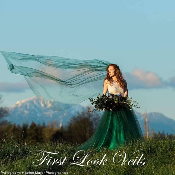Green Wedding Veil, Cathedral Bridal Veil, One Layer Plain Viel, Christmas Wedding Vail, Emerald Green Wedding, Green Veil, Scottish Wedding