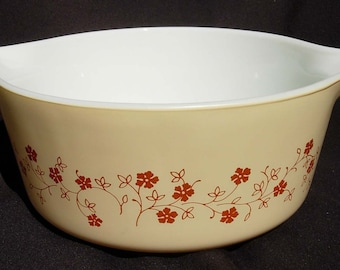 Pyrex Trailing Flowers ~ 475-B 2 1/2 Qt.