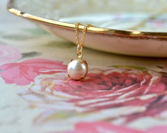 Faux Pearl Pendant Necklace, Simple Pearl Necklace, Dainty Pearl Jewelry, Glass Pearl Necklace, Vintage Glass Pendant, Gift for Mothers Day