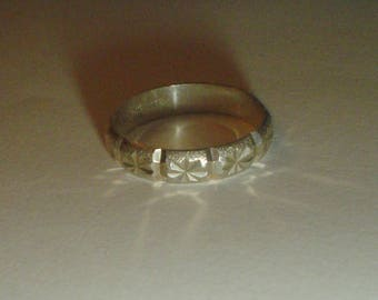 Silver ring band sterling diamond cut star wedding vintage size 6 UK M
