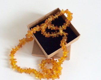 Faux Amber necklace // vintage plastic amber bead necklace