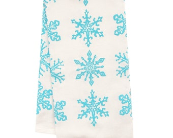 Organic all over pattern snowflake towel