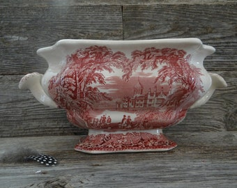 Mason's ''Vista'' ironstone red and white transfer-ware tureen without a lid