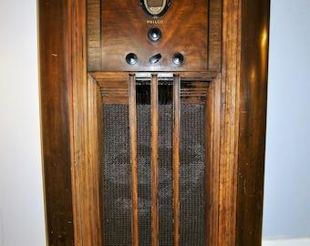 1936 Philco Radio / Vintage Radio /  Vintage Floor Model Radio / Working Radio  /  Old Radio / Working Philco Radio