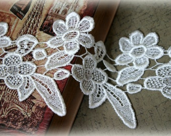Tresors Ivory Venice Lace for Bridal, Lace Jewelry, Costume Design, Crafting LA-075