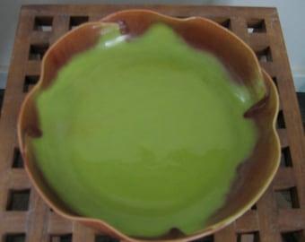 Haldeman, Caliente, Art Pottery Bowl. 1950's.   Vintage California Pottery.  Chartreuse Glaze.