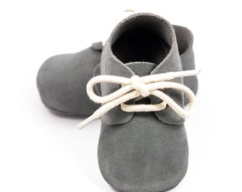 Gray oxford baby shoes, baby oxford, baby moccasins, crib shoes, baby shoes, baby shower gift, baby walking shoes, for boy or girl
