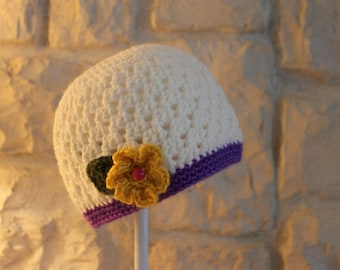 Child's hat with flowers