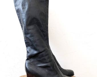 vtg BLACK leather GOGO boots - knee high - sz 8.5