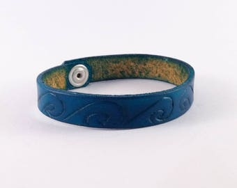 Fine hand engraved bracelet waves, blue, thin leather wave bracelet, blue