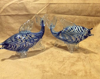 Gorgeous vintage blue striped and clear glass hand blown fish sculptures, set of two in excellent condition