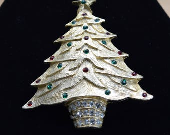 Christmas Tree Brooch, Red, Green, Clear Rhinestones, Gold tone, Vintage (AR16)