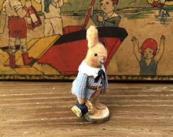 Petit lapin et son chapeau