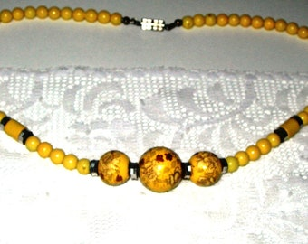 Yellow ,vintage necklace, white and gold roses, beaded, hand made