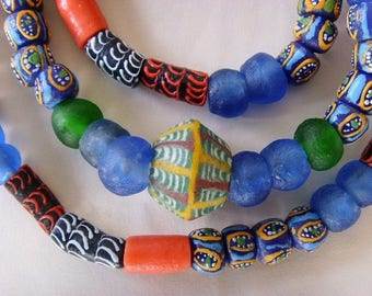 81 various beads of glass from Ghana - mixgb18