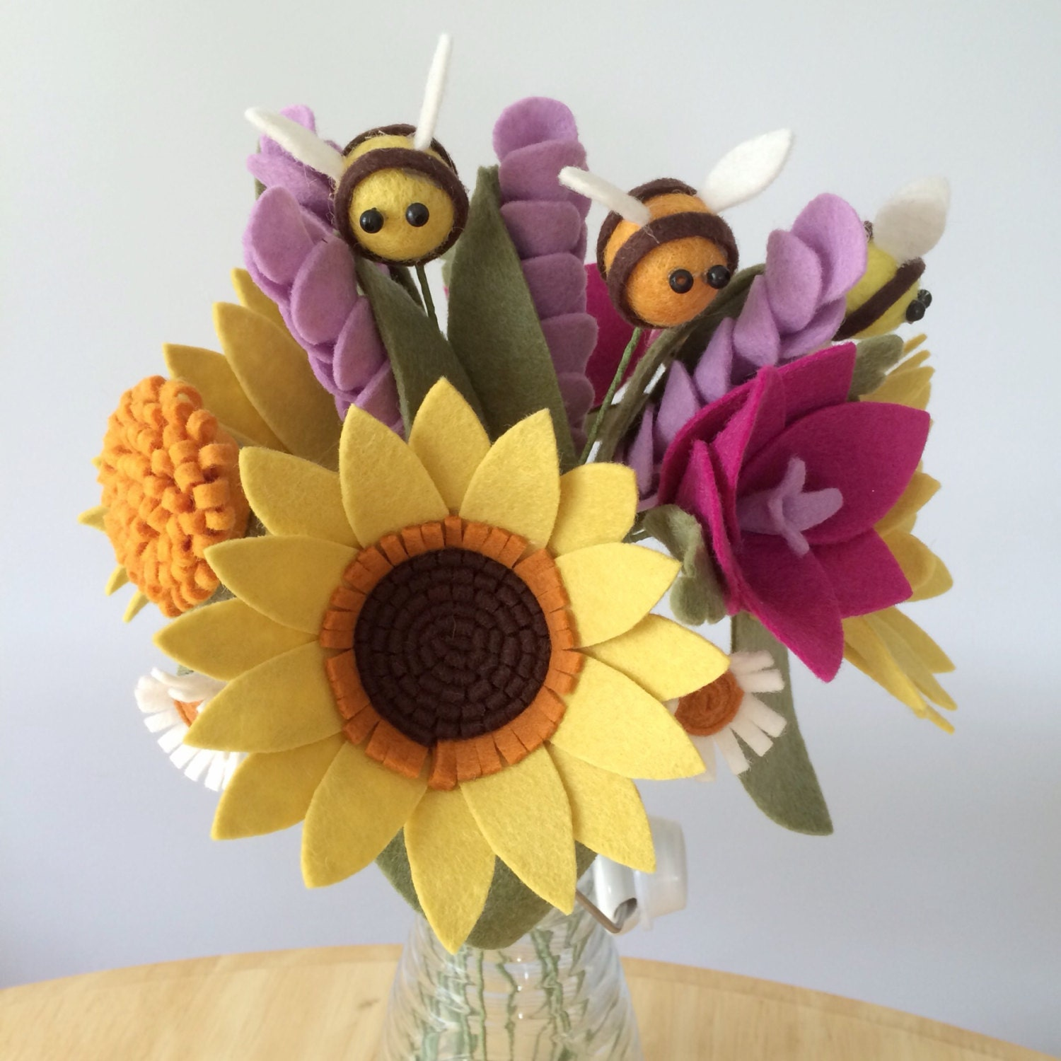 Pdf tutorial diy felt flowers sunshine bee bouquet no sew from this is a digital file izmirmasajfo