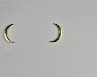 14 kt Yellow Gold Crescent Earrings