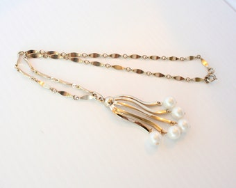 Vintage Pearl Tassel Necklace Sarah Coventry Pendant Cha Cha Style Goldtone