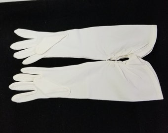 RARE Vintage HELANCA 100% Stretch Nylon formal winter white gloves. Elbow length