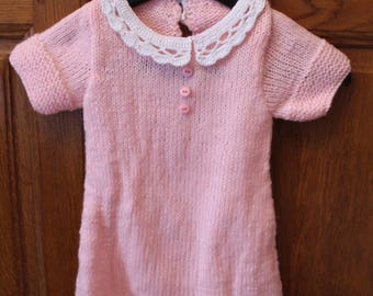 Pink girl dress, lace collar