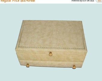 Memorial Day Sale Vintage 1950's BUXTON Men's Leatherette Jewelry Box Beige with Decorative Gold Trim and Gold Knobs