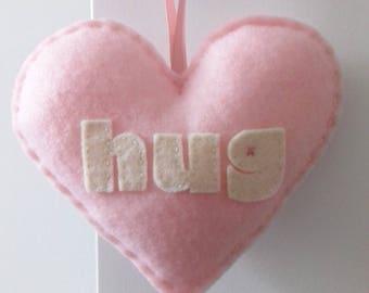 Aime faire un câlin - décoration bébé amour rose coeur