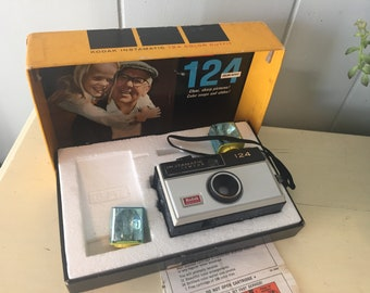 Vintage Kodak Instamatic 124 Color Outfit camera with box- flash cubes - retro photography