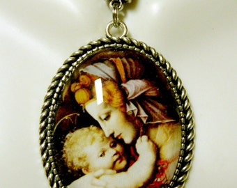 Madonna and child pendant and chain - AP09-151