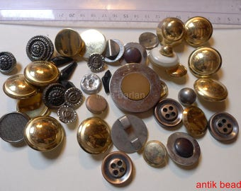 antique buttons in lot