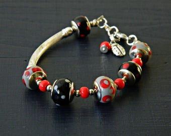 Rot grau schwarz Handwerker Lampwork Armband, schwarz-grau-rot gepunkteten, asymmetrische Glas Perlen Armband Classic Perlen Armband Marienkäfer