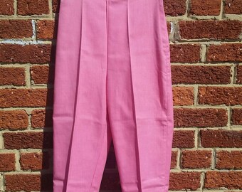 Vintage 50s Rockabilly Capri Pants // Pink Pedal Pushers // Cropped Cigarette Pants XS