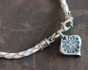 Leather Bolo Bracelet, White Leather, Sterling Silver Clasp, Sterling Silver Charm, Boho chic, Bohemian, Stacking