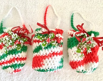 Crochet Pouches, Crochet Bags, purses, Christmas Treat Bags, Holiday Gift Bags, Red, Green, White, Decorated Bags, gift pouch, cotton bags