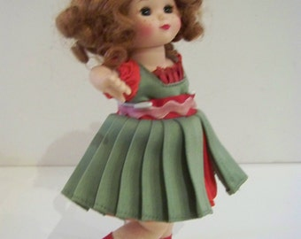 Old Fashioned Christmas 8 in Madame Alexander doll