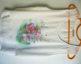 Hand painted blouse, hand painted top, hand painted, tunique, shirt, one-of-a-kind, hand made, unique piece, wearable art, flowers, fresh