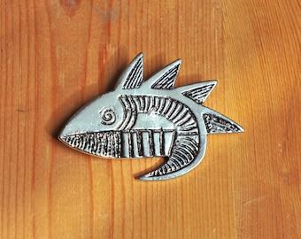 Vintage broche van een vis, jaren 80, zilverkleurig metaal