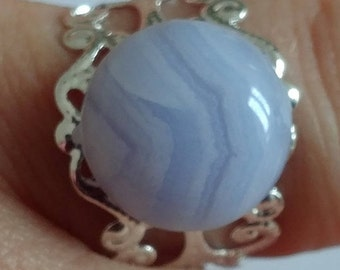 Ring blue chalcedony, speaking stone and stone 14 mm setting adjustable 19mm.