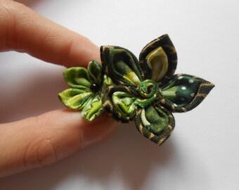 Kanzashi green pin - handmade