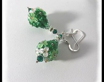 Green floral earrings, green flower jewelry, 2442, lampwork earrings, gifts for her, Artisan lampwork earrings, St Patricks day jewelry