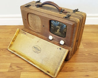 1940 Zenith Universal WaveMagnet Model 5G500 Portable Radio, Wood Cabinet, For Restore or Decor