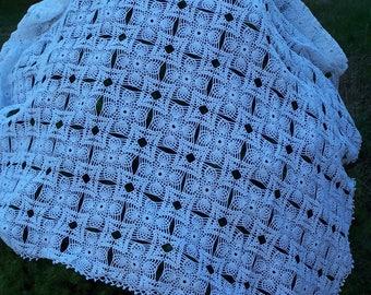 throw sofa or bedspread to crochet