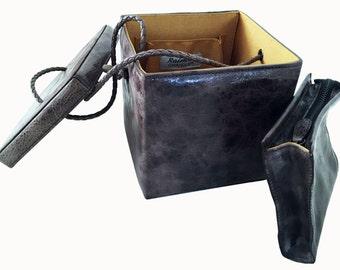 Style 8B Classic dark Taupe Box handbag