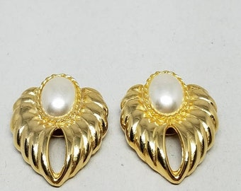 30% Off Sale Gold Tone Shoe Clips Faux Pearls Vintage Bluette Made in France Clips