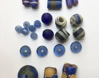 Set of 25 beads African - 0909