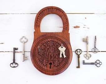Vintage Carved Wood Key Rack / Boho Wood Key Holder / Carved Wood Key Hooks / Wall Organizer / Boho Home Decor
