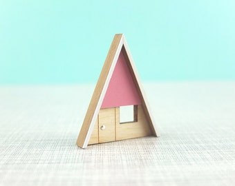 Retro Brooch | 50s style brooch | Wooden A frame | Pink Brooch