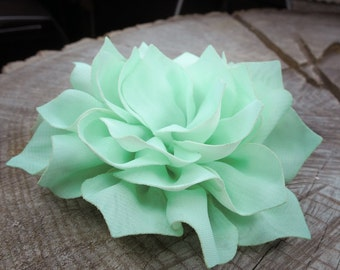 Large Carnation Hair Clip ~1 pieces #100782