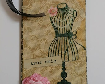 Paris gift tag, tres chic, eiffel tower, gift tag, gift embellishment, wine tag